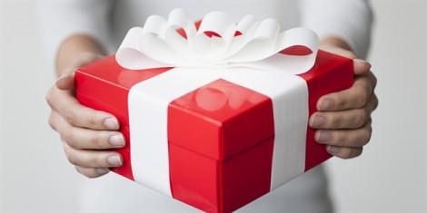 Tặng quà cho bạn gái luôn kèm theo hóa đơn là đàn ông kiểu gì?