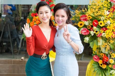 Á hậu Hà Thu tươi tắn dự sự kiện sau khi đăng quang 'Tình bolero 2017'