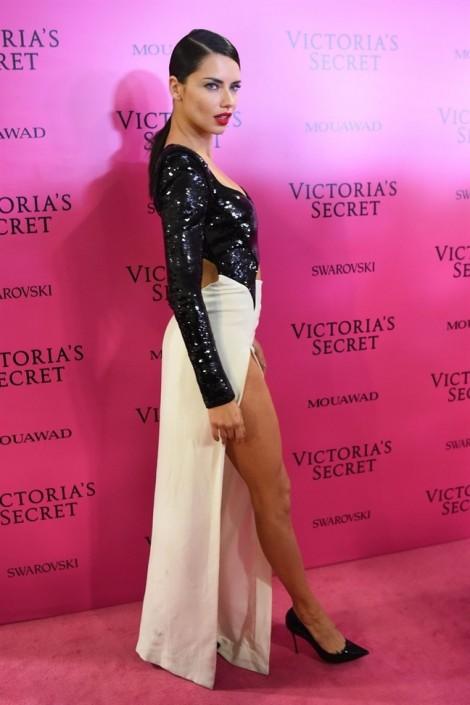Thời trang thảm đỏ của các thiên thần Victoria Secret