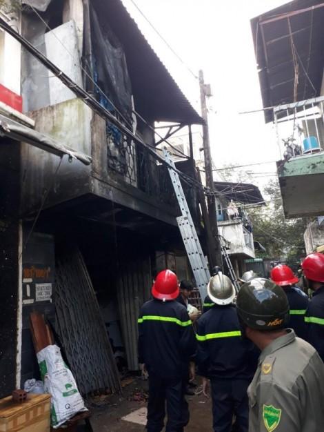 Cháy nhà, 3 người chết ở quận 11
