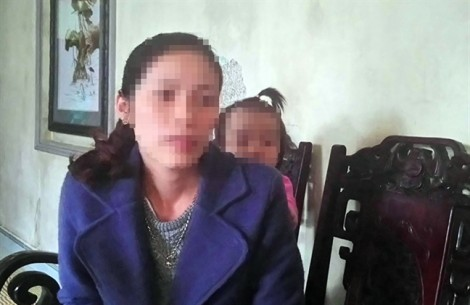 Người bé gái 16 tháng tuổi xuất hiện nhiều vết bầm sau khi trở về từ nhà trẻ