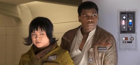 Nữ diễn viên gốc Việt Kelly Marie Tran bật khóc trong buổi công chiếu phim 'Star Wars'