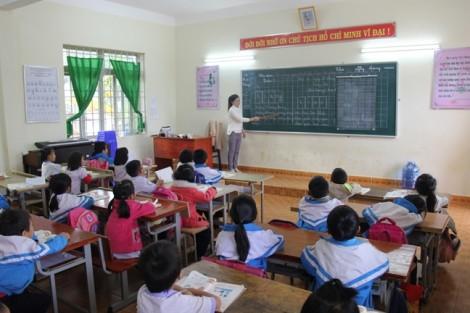 85 giáo viên khốn đốn vì nhiều tháng không được chi trả lương