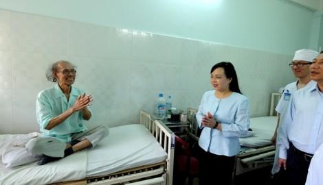 Bộ trưởng Y tế: 'Thuốc rẻ, vẫn đảm bảo chất lượng, chỉ hiệu quả… không cao'