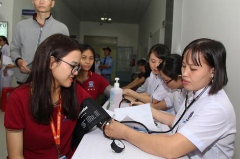 Trường đại học tư đầu tiên mở phòng khám tạo môi trường thực hành cho sinh viên