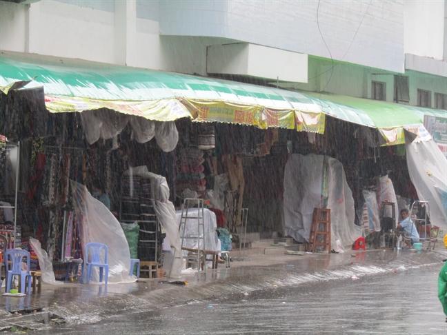 Taxi Can Tho, Hau Giang 'trung dam' vi bao Tembin