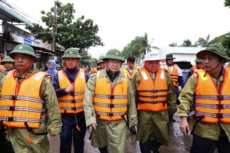 Phó Thủ Tướng Trịnh Đình Dũng trực tiếp chỉ đạo phòng chống bão số 16 (Tembin)