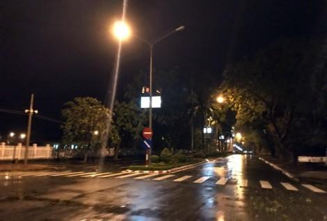Hoàn lưu bão Tembin quét qua, Côn Đảo mất điện hơn 10 phút