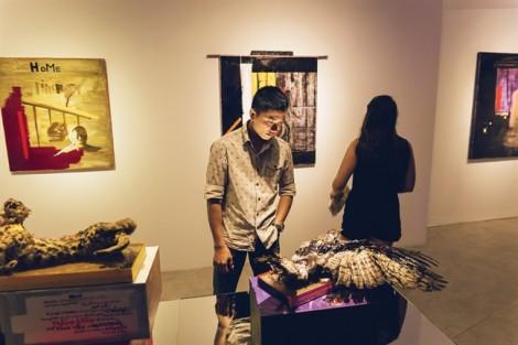 Nghệ thuật phản chiếu mối băn khoăn xã hội