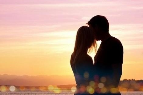 Khi yêu, có cần quay đầu lại?