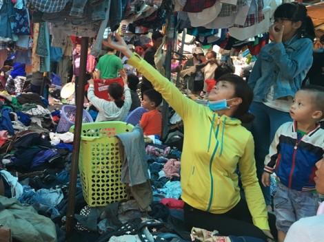 Niềm vui cũ người mới ta ở chợ si Sài Gòn