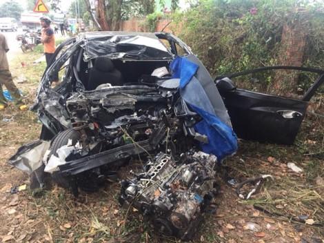 Tai nạn nghiêm trọng trên đường Hồ Chí Minh khiến 5 người thương vong
