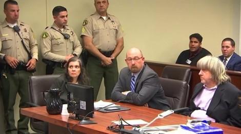 Cặp vợ chồng giam cầm, tra tấn 13 người con đối mặt án tù 94 năm