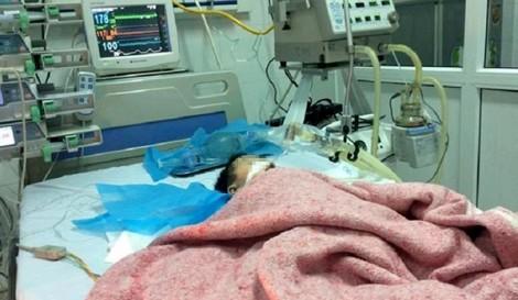 Vụ điều dưỡng tiêm nhầm thuốc: Bé 8 tháng tuổi đã chết não, không cứu được?