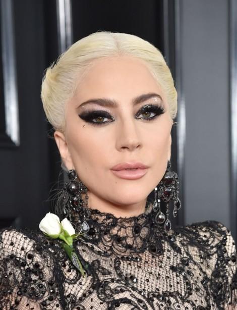 Học kiểu trang điểm quyến rũ như các mỹ nhân trên thảm đỏ Grammy 2018