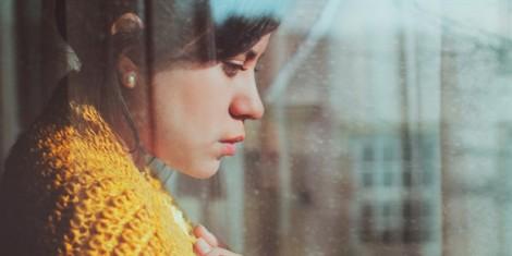 Bi kịch của người đàn bà đẹp sống đời tầm gửi, chồng thách thức ngoại tình cũng chẳng dám ký đơn