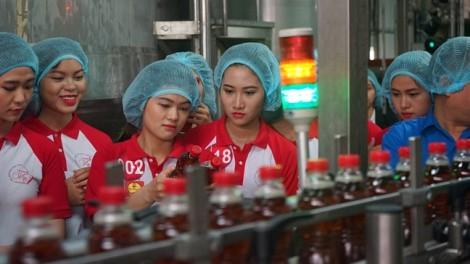 Sinh viên choáng ngợp trước công nghệ Aseptic của GEA (Đức) tại nhà máy của Tân Hiệp Phát