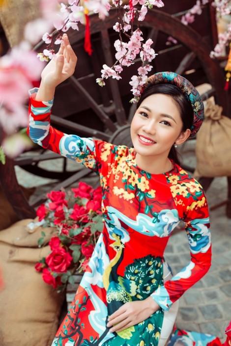 Áo dài đôi hoạ tiết rực rỡ cho ngày lễ tình nhân