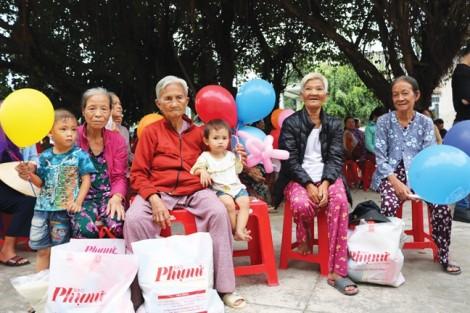 Mang hương xuân đến 1.300 hộ nghèo