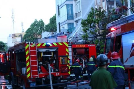 Cháy nhà ngày mùng 5 tết, hai cụ già thoát nạn