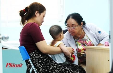 4 ngày triển khai khám bệnh ghi chứng minh nhân dân: Bệnh nhân, bác sĩ 'la làng'
