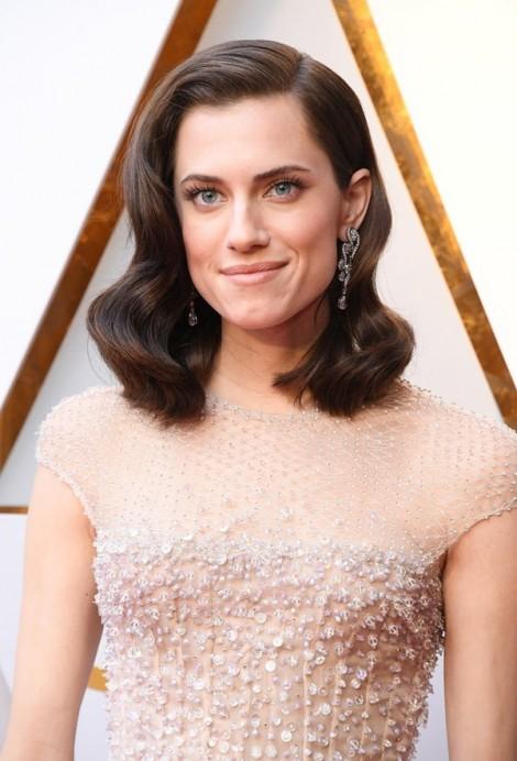 Loạt ngôi sao trang điểm ấn tượng nhất tại thảm đỏ Oscar 2018