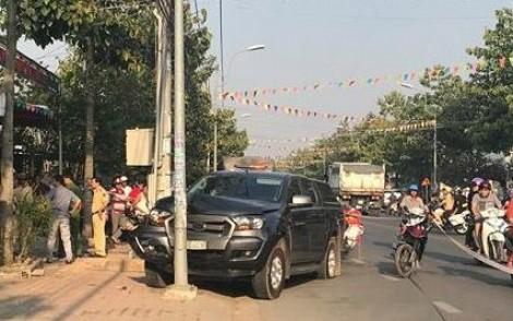 Hai ôtô tông chiến sĩ CSGT trọng thương để tháo chạy kinh hoàng