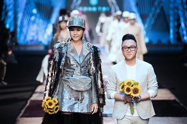 NTK Cong Tri mo man 'Tuan le Thoi trang Quoc te Viet Nam Xuan He 2018'