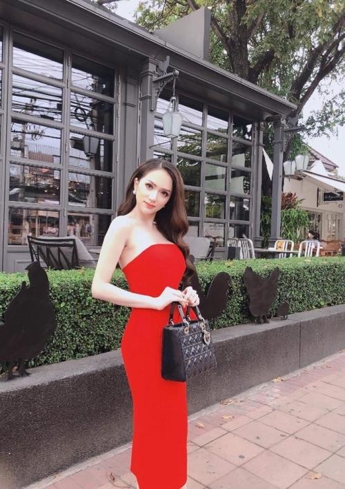Kham pha kho hang hieu cua Hoa hau chuyen gioi Huong Giang