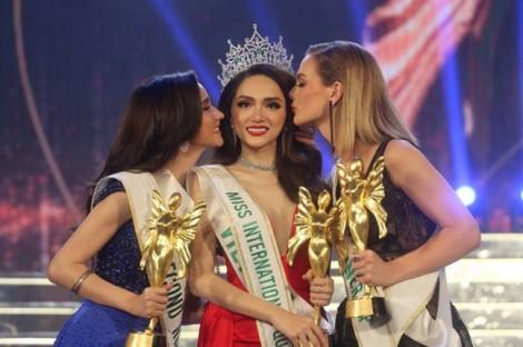 Báo lớn thế giới đưa tin Hương Giang Idol đăng quang Hoa hậu Chuyển giới Quốc tế 2018