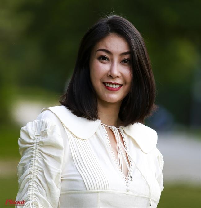 HH Ha Kieu Anh: 'Hoa hau thi khong duoc dot hay yeu kem ve kien thuc'
