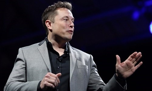 Ty phu Elon Musk sap ban goi cuoc internet ve tinh?