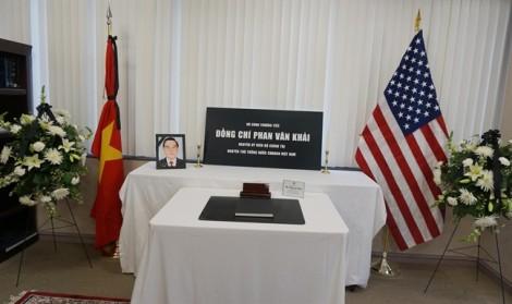 Bạn bè quốc tế đến viếng cố Thủ tướng Phan Văn Khải tại Mỹ và nhiều nước châu Âu