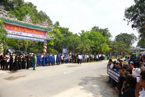 Người dân Củ Chi xúc động đón cố Thủ tướng Phan Văn Khải về quê nhà