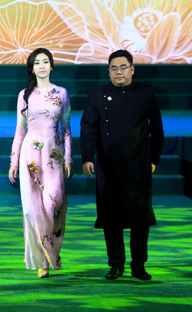 Hoa hau Do My Linh: Hy vong ao dai di xa hon, den ban be quoc te