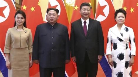 Đệ nhất Phu nhân Triều Tiên đầy vẻ thanh lịch trong lần đầu công du nước ngoài
