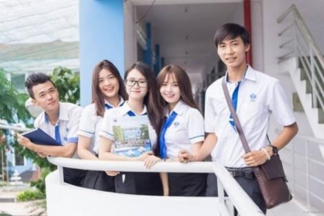 Trường ĐH Công nghiệp Thực phẩm TP.HCM: Công khai học phí, tỷ lệ việc làm để tuyển sinh