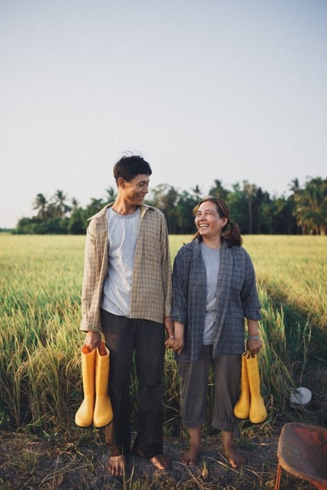 Bộ ảnh 'Mùa thu hoạch của ba và mẹ' khiến cộng đồng mạng ngẩn ngơ