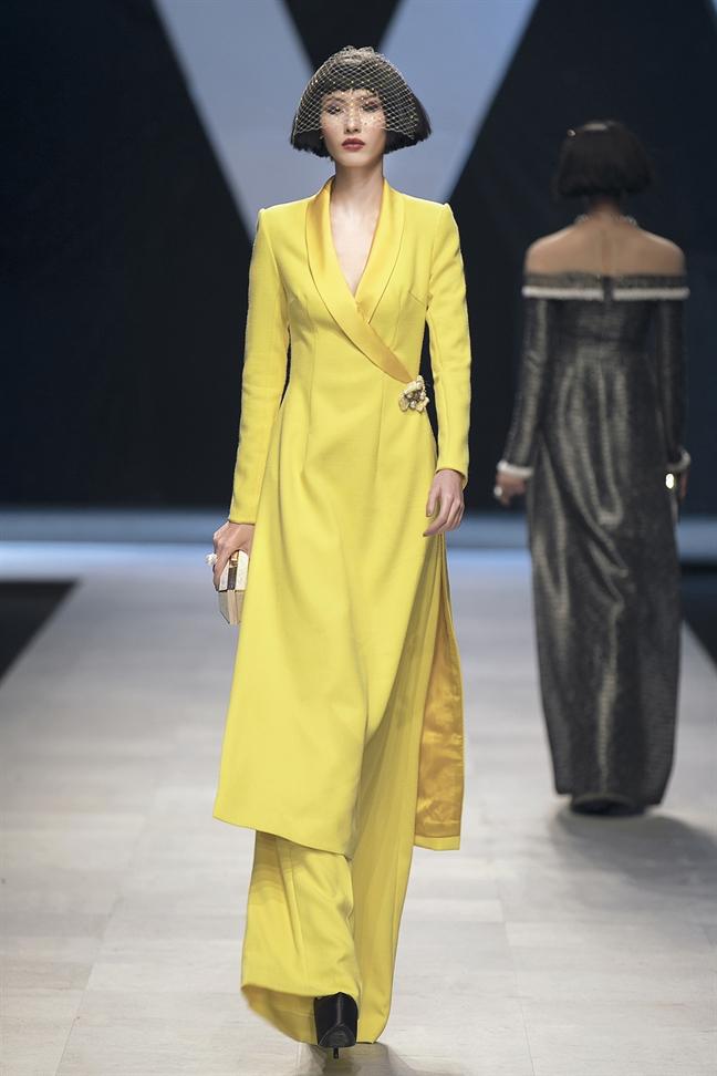 Ha Ho, Thanh Hang nam tay catwalk sau 5 nam