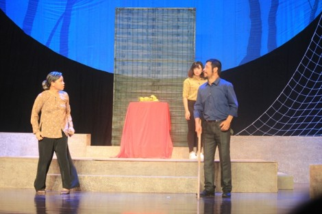 Nửa chặng đường Liên hoan sân khấu kịch nói - Buồn nhiều hơn vui