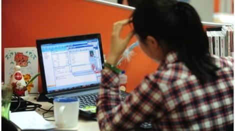 Hàng loạt 'gã khổng lồ' ở Trung Quốc xin lỗi về quảng cáo thiên vị nam giới