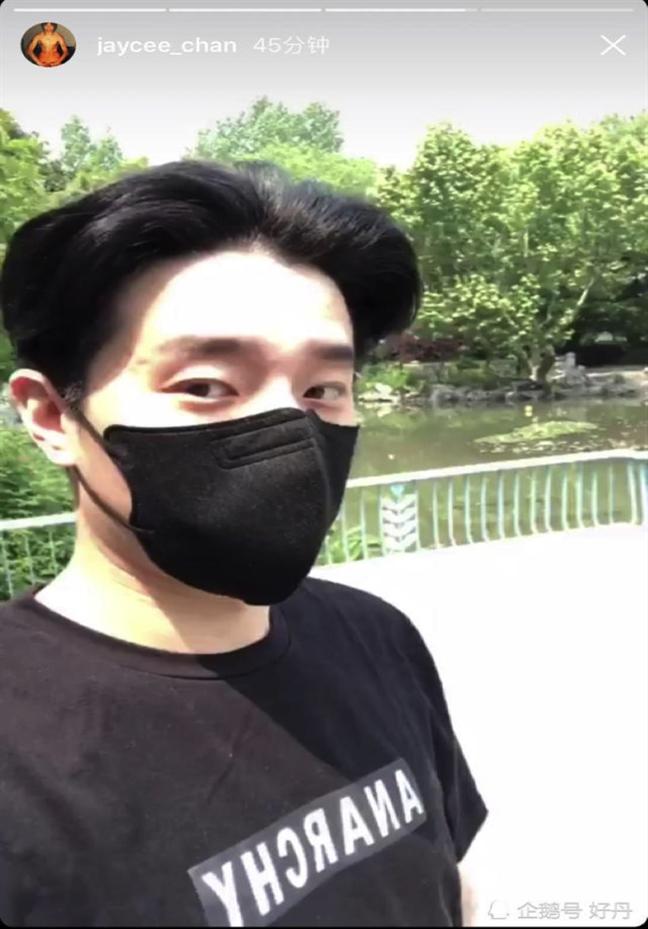 Vi sao Thanh Long luon im lang moi khi con gai roi keu cuu?