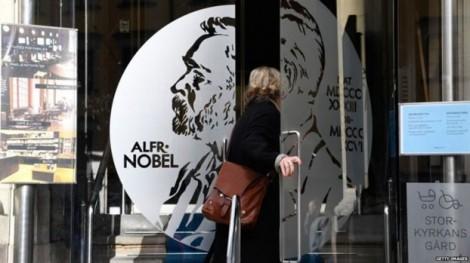Tại sao giải thưởng Nobel Văn chương năm nay có thể bị hoãn?