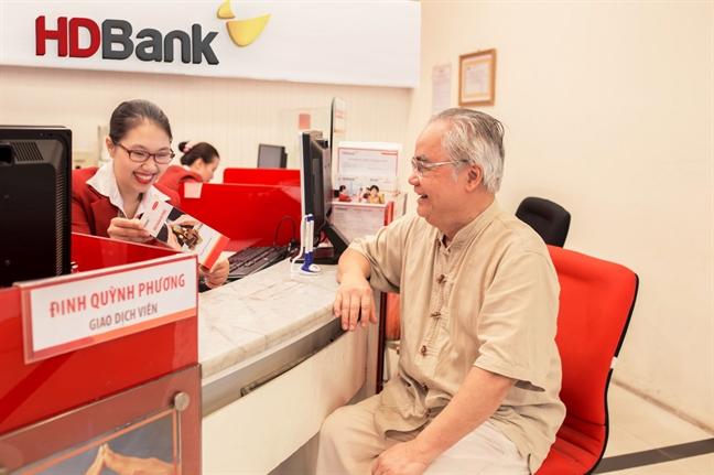 Giua nam, HDBank tung mua qua tang