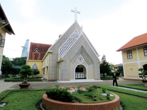 Nghe tiếng chuông nhà thờ Thủ Thiêm…