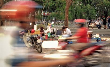 Quán nước đặc biệt của hai cô gái câm điếc ở con phố nhộn nhịp nhất Sài Gòn