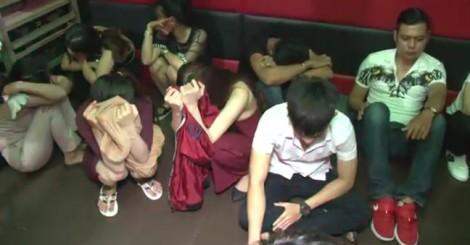 Gần 100 thanh niên phê ma túy, nhảy múa quay cuồng trong quán karaoke