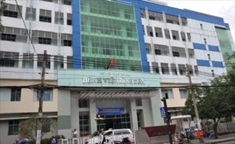 Đình chỉ 6 tháng bác sĩ Bệnh viện Bình Dân 'câu' bệnh nhân ra ngoài mổ gây tử vong