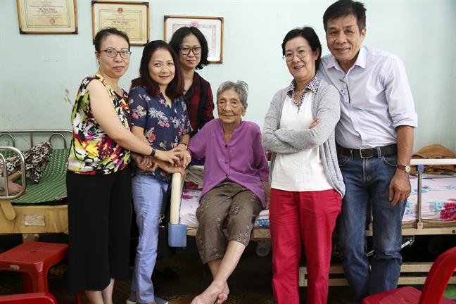 Bao Phu Nu TP.HCM tron 43 nam tuoi: Buoc tiep bang tat ca an tinh