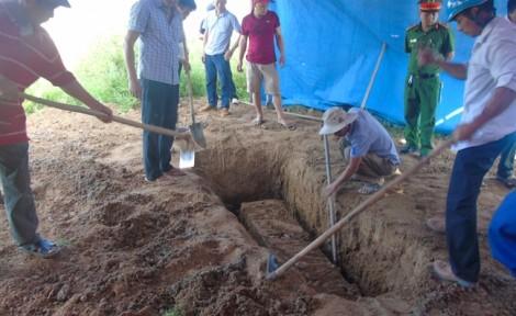 Khai quật mộ nữ kế toán sau 6 năm tử vong: Người thân tiết lộ những dấu hiệu kỳ lạ